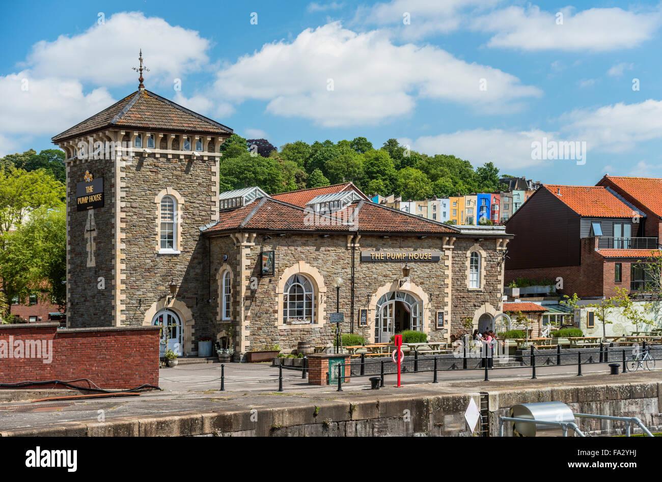 Pumphouse Pub auf dem schwimmenden Hafen, Bristol, Somerset, England, UK Stockbild