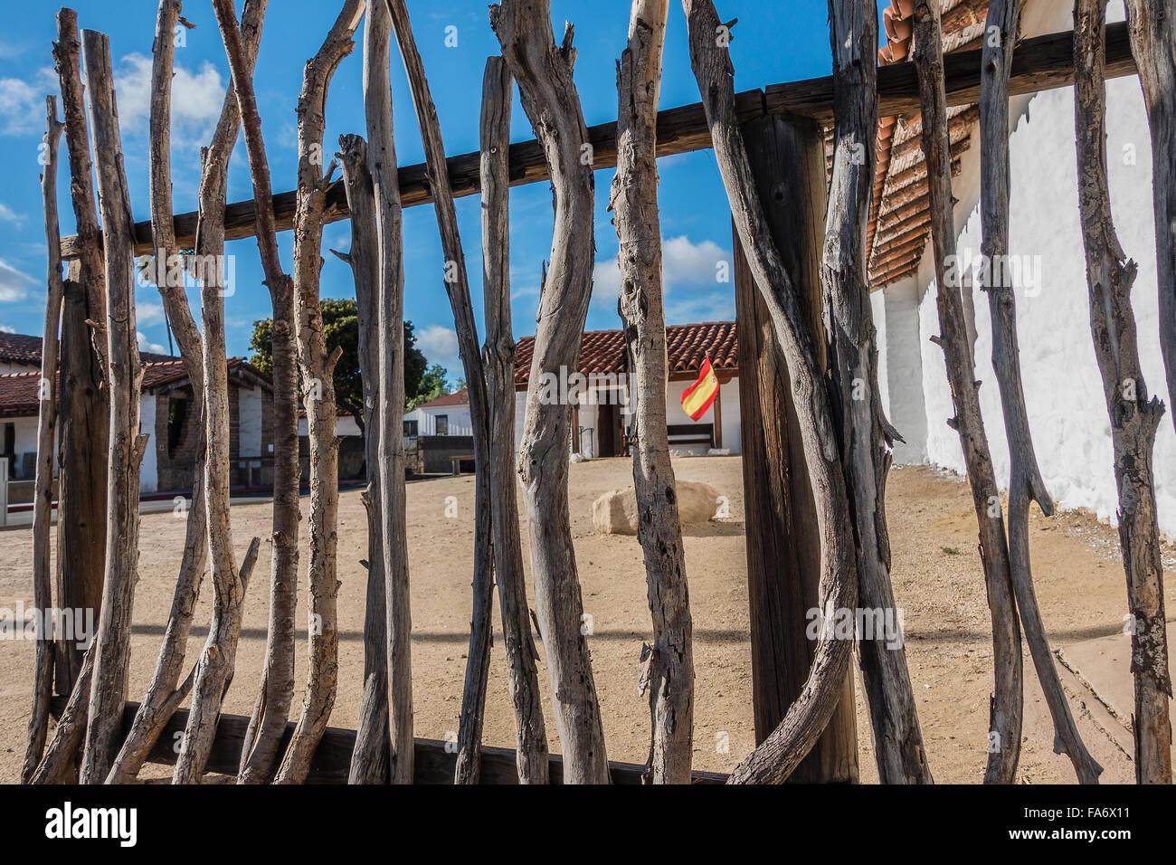 Ausgezeichnet Quadratische Zaun Stile Drahtrolle Galerie ...