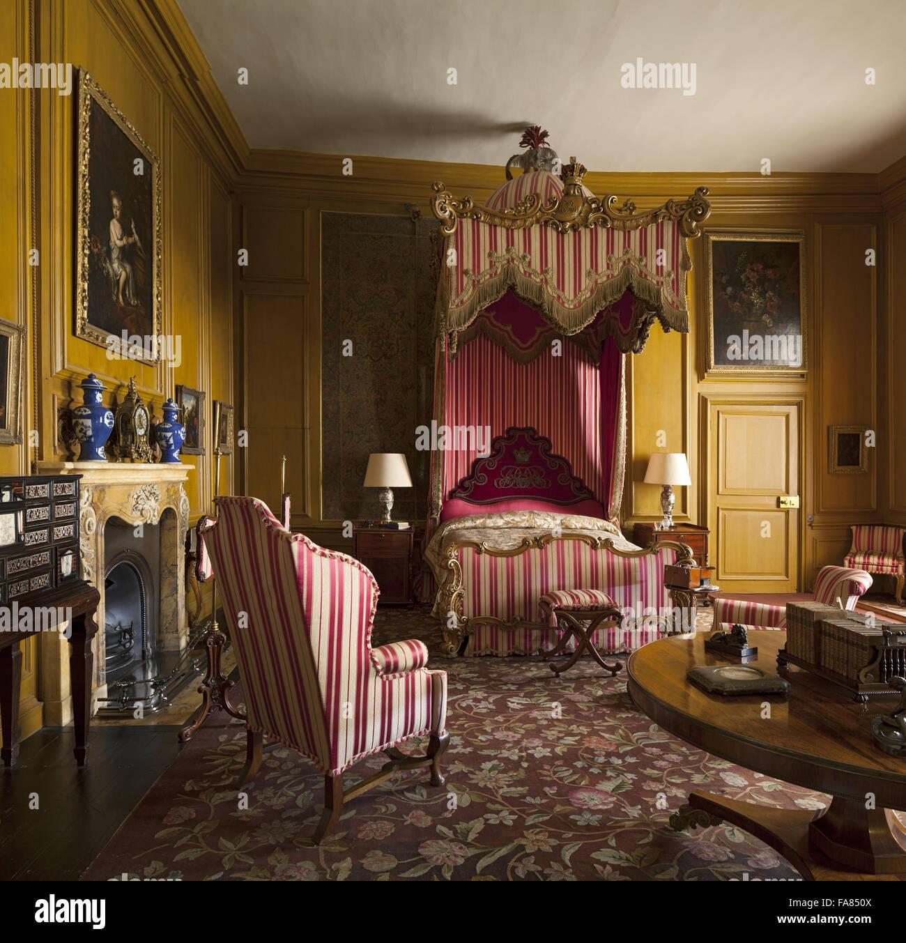 Die Queen Schlafzimmer Im Belton House, Lincolnshire. Das Zimmer Ist  Benannt Nach Königin Adelaide Besucht Im Jahr 1841 Und Für Wen Die Zimmer  Renoviert ...