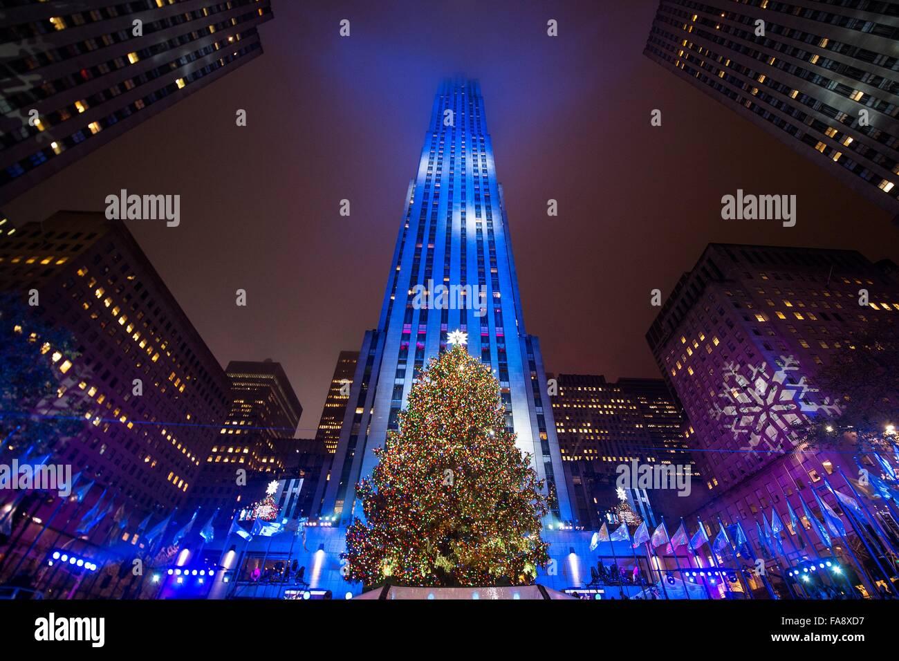 new york weihnachtsbaum live frohe weihnachten in europa. Black Bedroom Furniture Sets. Home Design Ideas