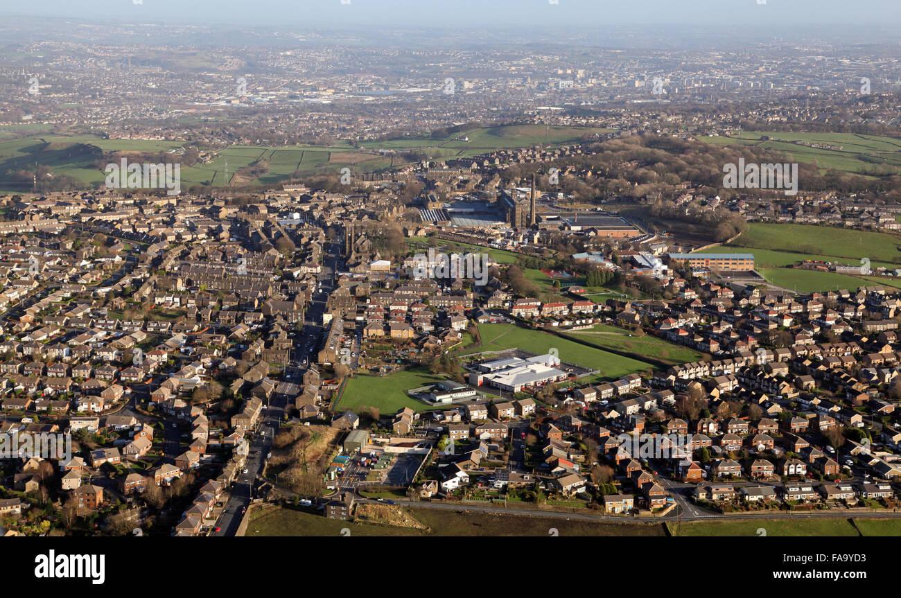 Luftaufnahme von Blackdyke Mills bei Queensbury, Bradford, West Yorkshire, Großbritannien Stockfoto
