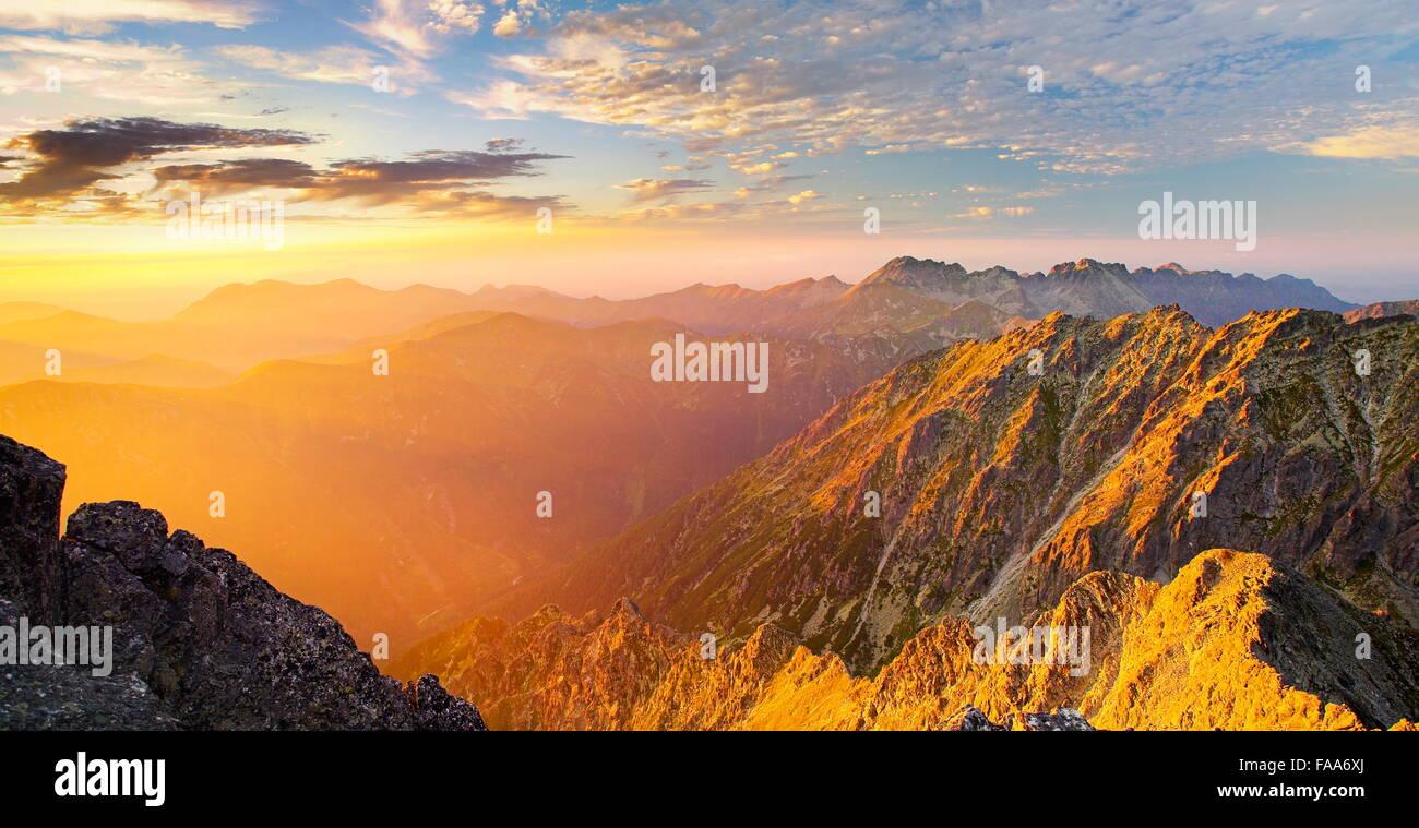 Blick auf hohe Tatra von Krywan Spitze, Slowakei Stockbild