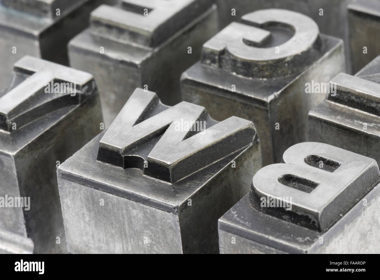 alten f hren tinte typ aus einem buch druckerei drucken historische metall lettern aus eine. Black Bedroom Furniture Sets. Home Design Ideas