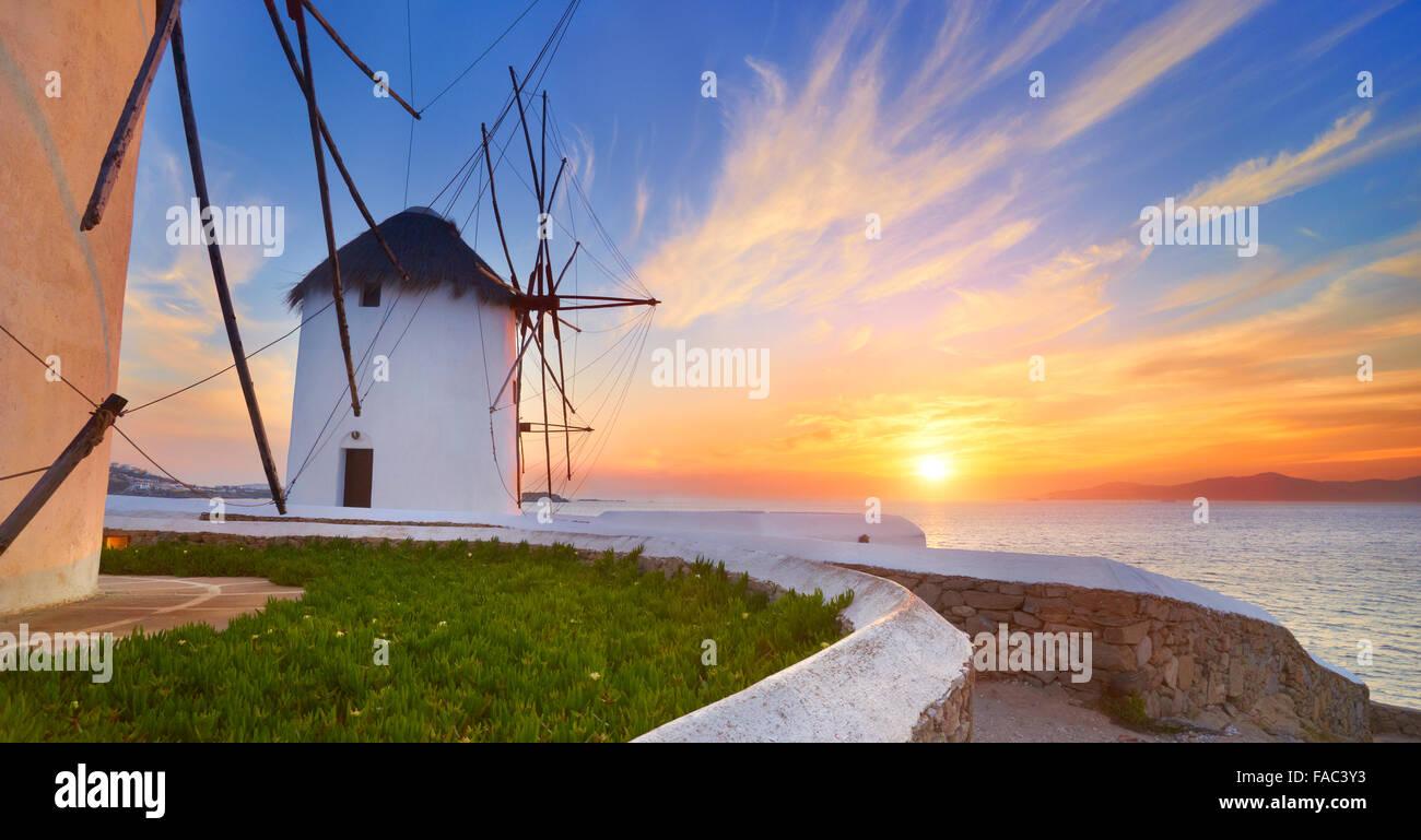 Mykonos Sanset Landschaft mit Windmühlen, Insel Mykonos, Griechenland Stockbild