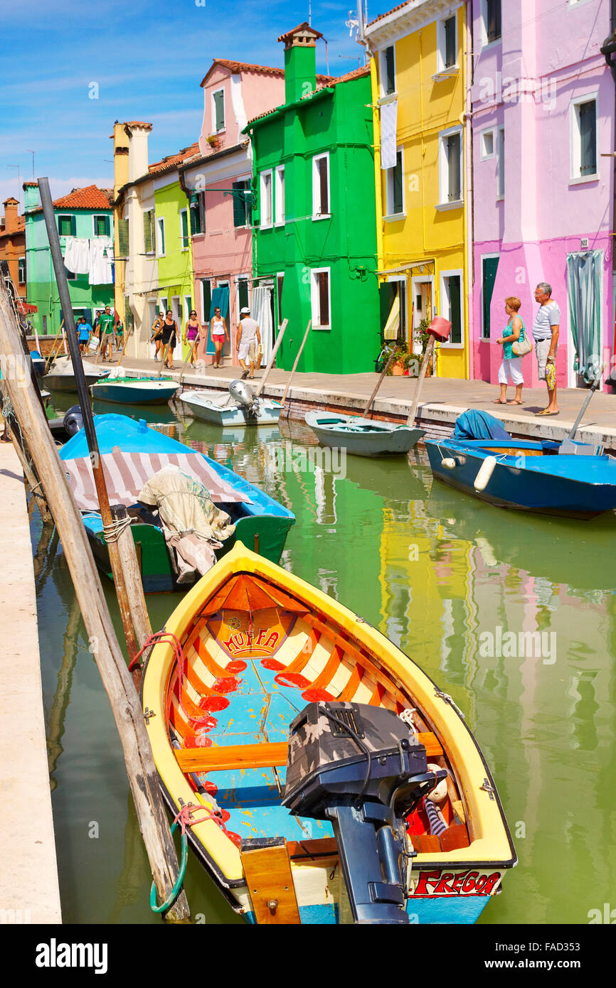 Bunte Häuser in Burano in der Nähe von Venedig, (Lagune Insel Burano), Italien Stockbild