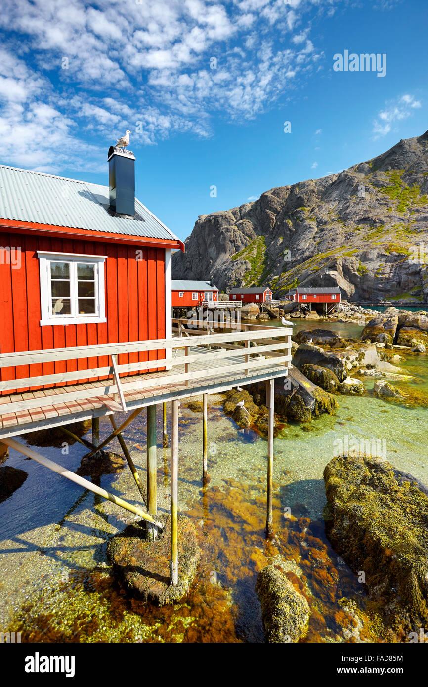 Traditionellen roten Holz Fischer Hütten Rorbu, Lofoten Island, Norwegen Stockbild