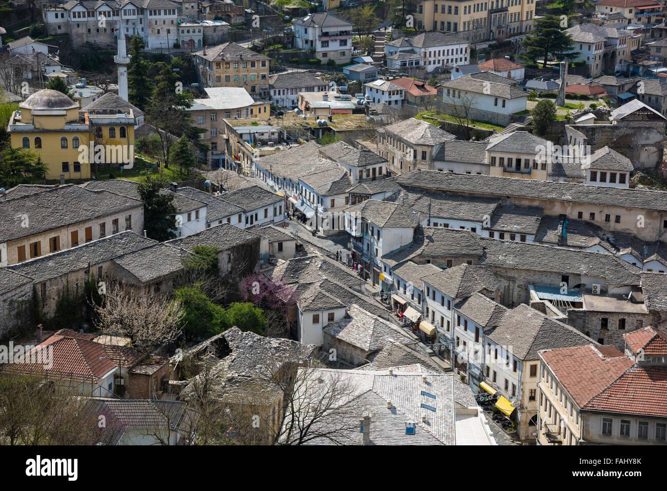 Traditionelle Architektur in der alten Stadt Gjirokaster in Albanien Stockfoto