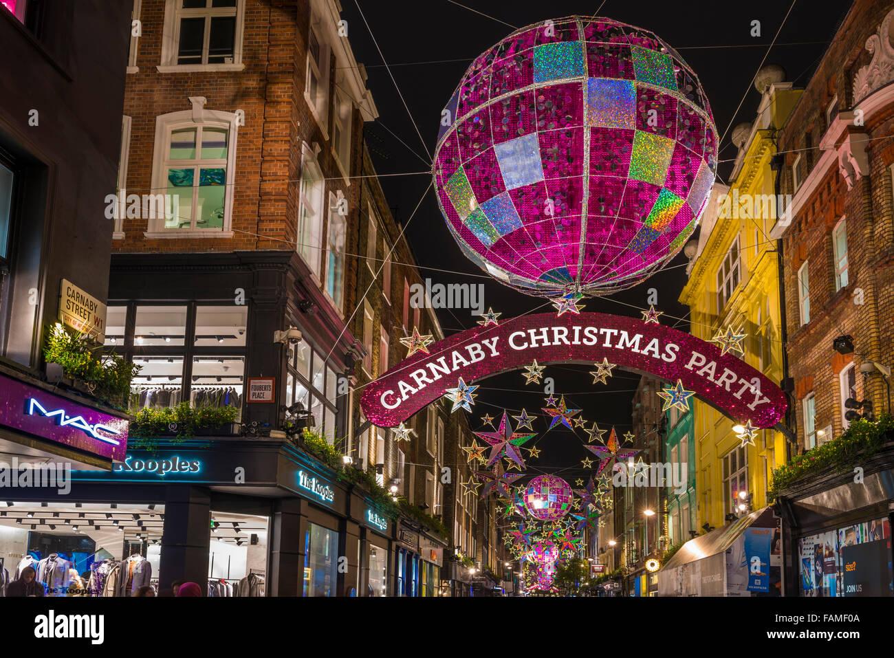 Weihnachtsbeleuchtung auf der Carnaby Street, London UK Stockfoto