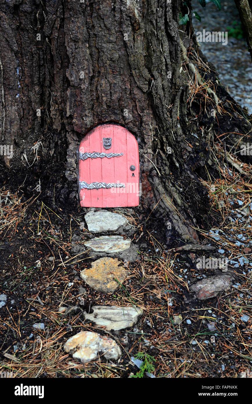 Fee Tür Haus Baum Basis Garten Dekoration Dekorieren Miniatur Zwerg Spaß Im  Freien Phantasie RM Floral Glauben Machen
