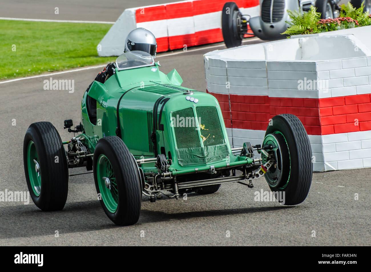 1934 ERA A-Typ R3 eine von Richard Skipworth besessen und war lief von Mark Gilles am Goodwood Revival 2015 Stockbild