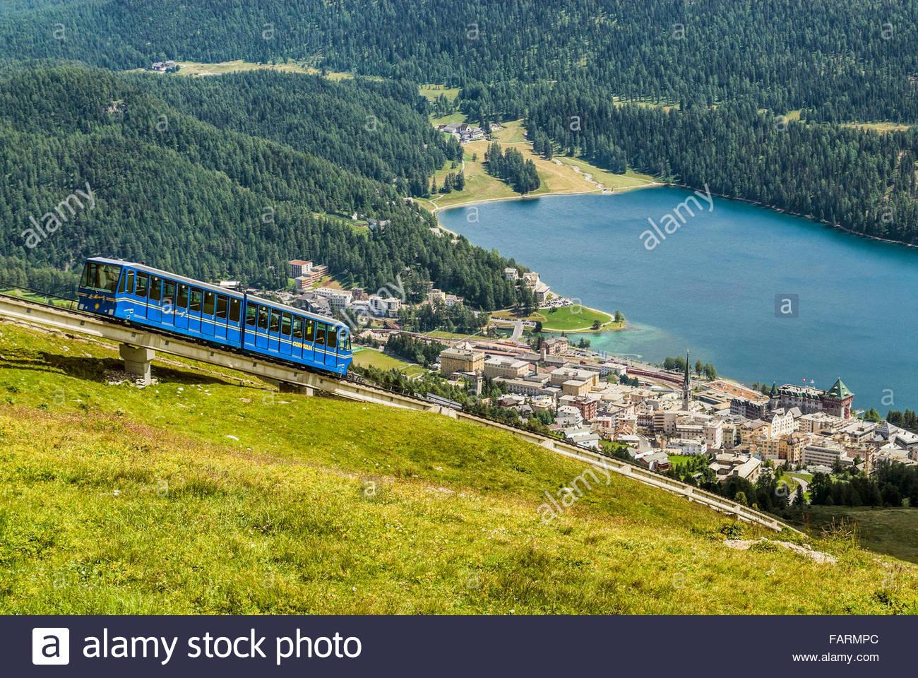 Standseilbahn Chantarella, St. Moritz, Graubünden, Schweiz   Chantarella Standseilbahn, St. Moritz, Schweiz Stockbild