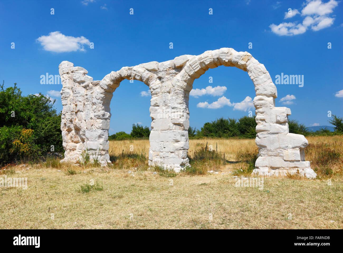 Die Bögen im Umgebung, Croatia.It war ein Roman Legion Lager und Stadt. Stockbild