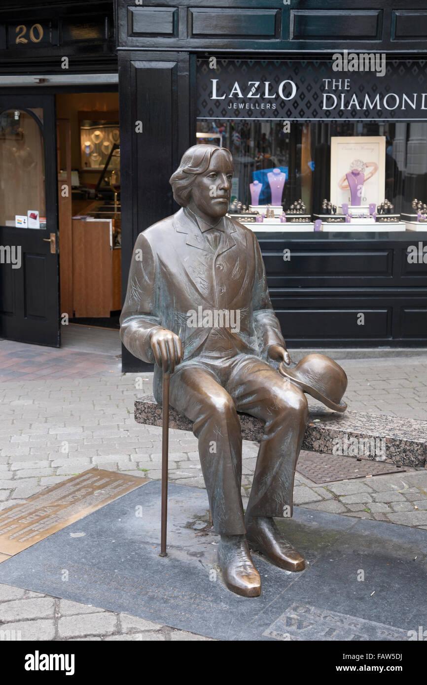 Oscar Wilde Skulptur Galway Irland Stockfotografie Alamy