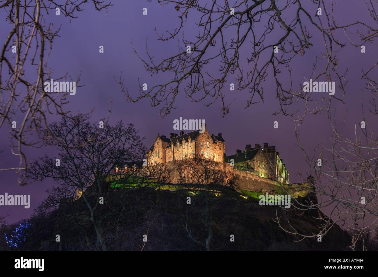 Ein Blick auf das beeindruckende Edinburgh Castle in Schottland. Stockbild