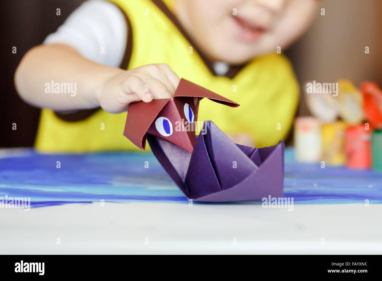 Papierschiff falten - Papier falten - Origami Boot - Einfaches ... | 956x1300