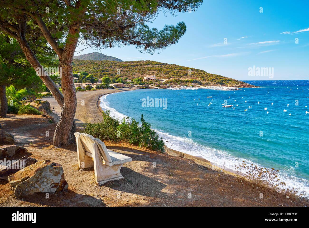Golfe de Galeria, Blick zum kleinen Fischerdorf Galeria, Korsika, Frankreich Stockbild