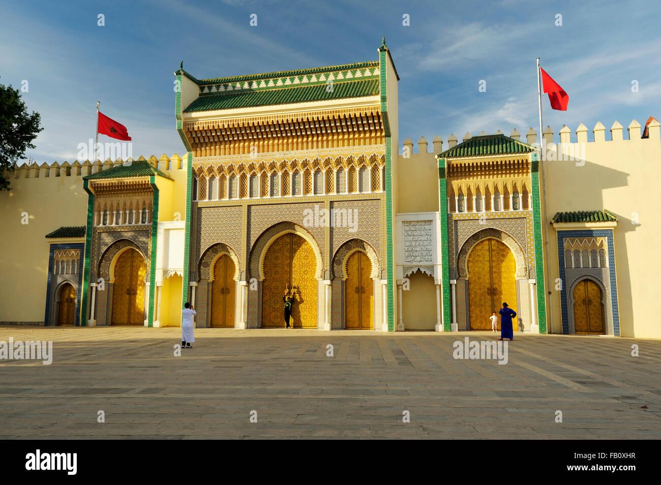 Porte du Palais Royal, Fes el Jdid, Fes, Fes-Boulemane, Marokko Stockbild