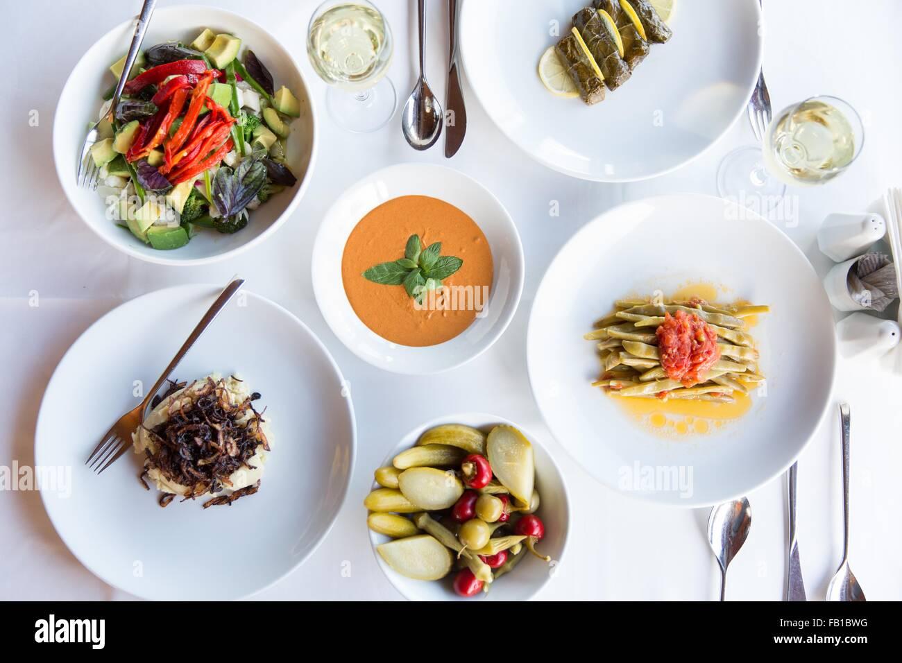 Auswahl an traditionellen türkischen Gerichten, Stillleben Stockbild