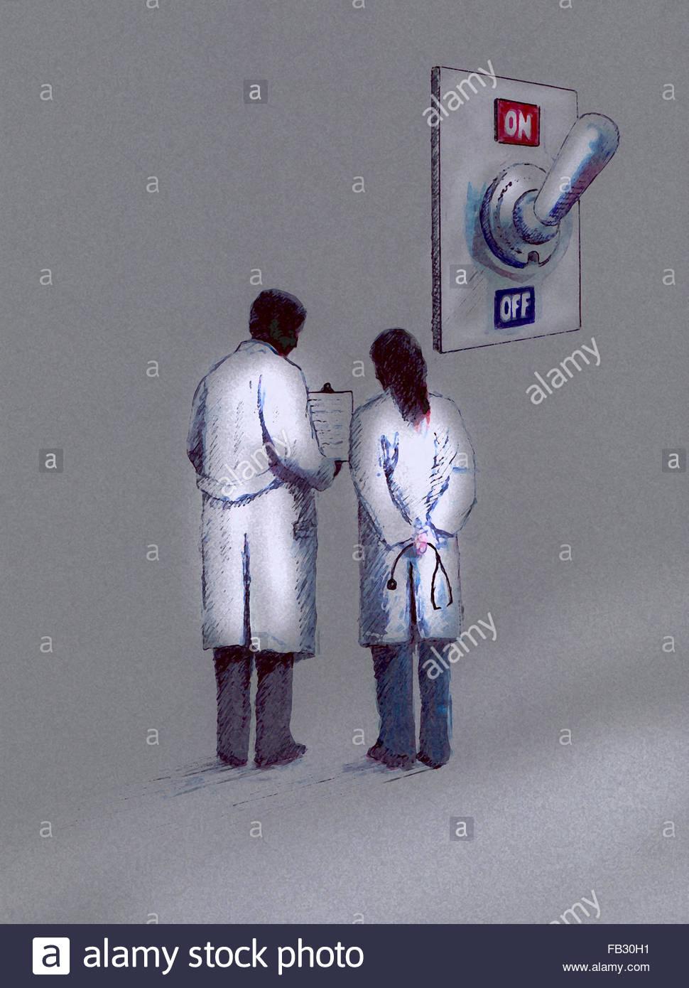 Ärzte diskutieren Zwischenablage Notizen vor der großen auf aus-Schalter Stockbild