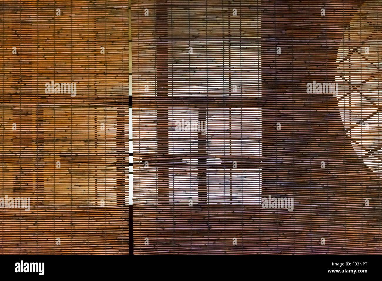 Bambus Vorhang Vor Fenster Eines Hauses In Hanami Koji Street Im