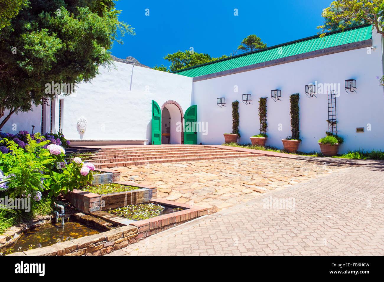 Der Eingang zum Klein Constantia Wine Estate in Kapstadt, Südafrika Stockbild