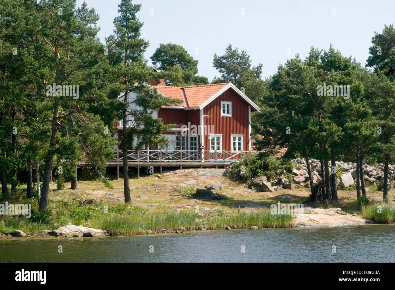 Schwedenhaus am see  rotes Schwedenhaus am See Wasser Falun Farbe ländlicher Gegend ...