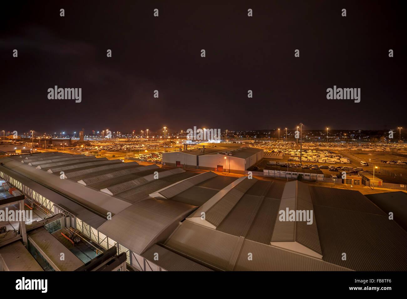 Southampton Docks in der Nähe von Mayflower Cruise Terminal Nachtzeit. Stockbild