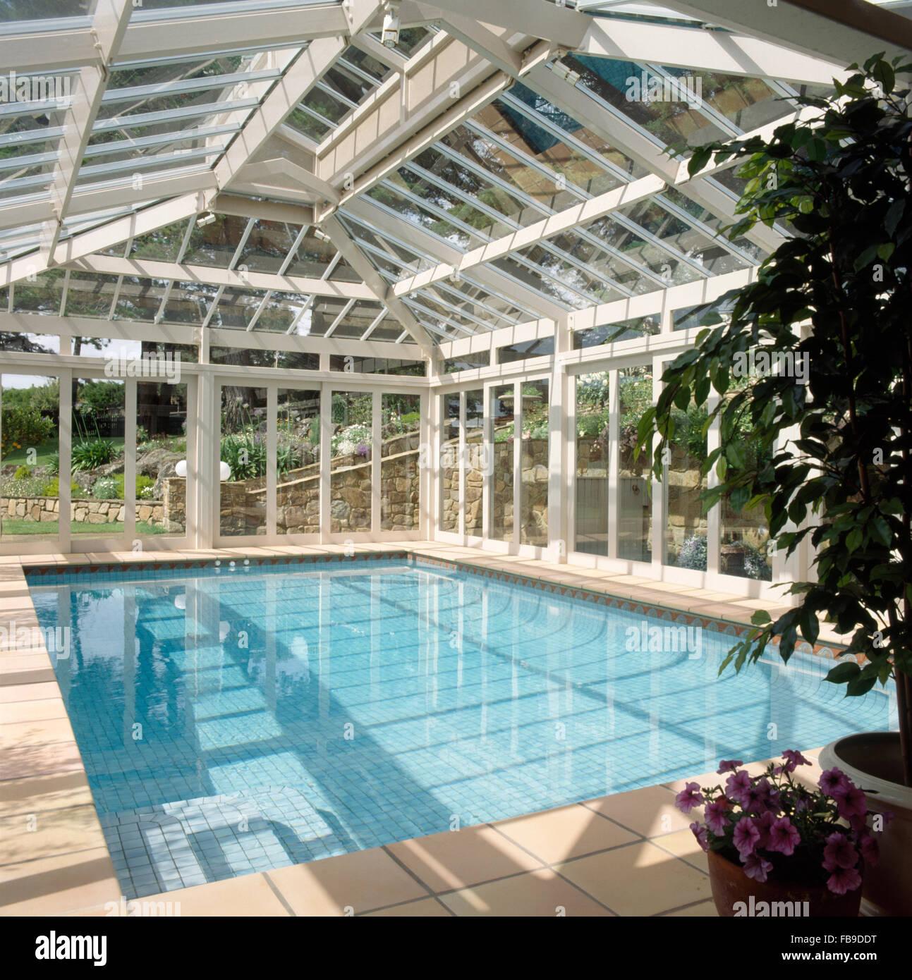 Indoor Swimming Pool Stockfotos & Indoor Swimming Pool Bilder - Alamy