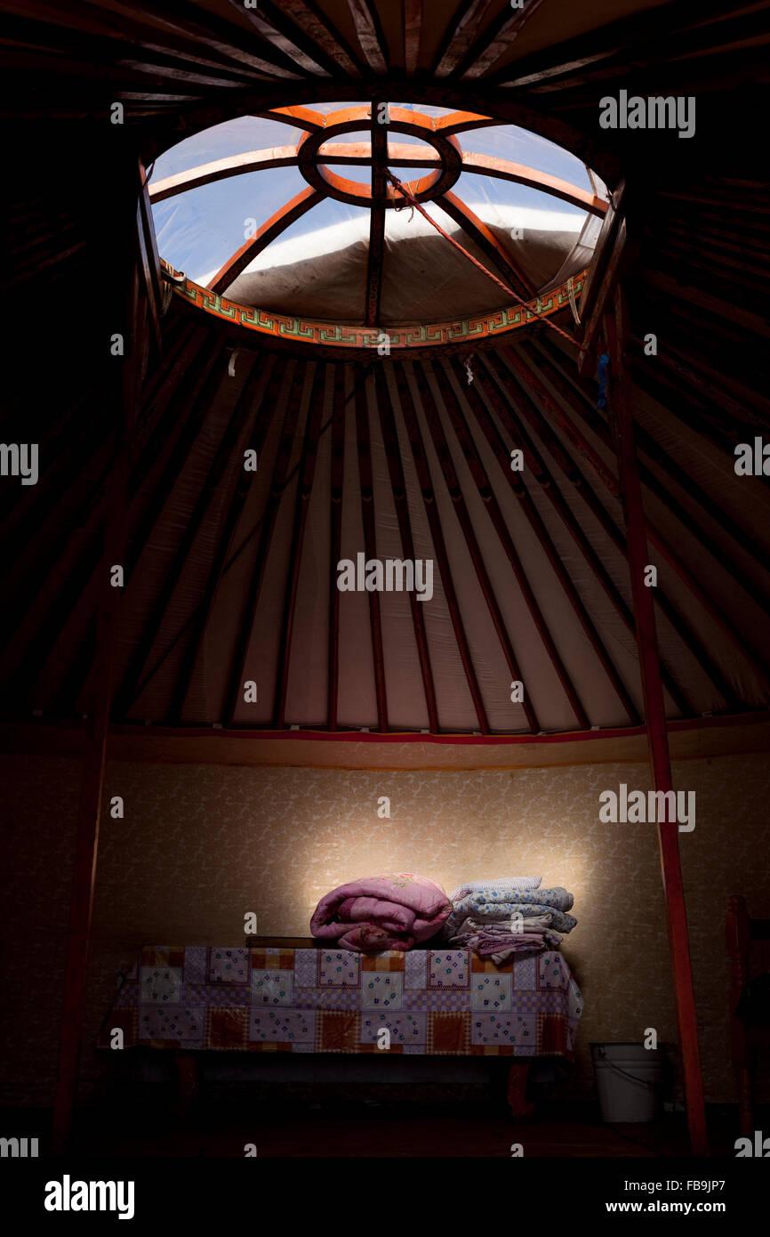 In einem mongolischen Ger (Jurte) Zelt Gorkhi-Tärelsch-Nationalpark. Stockbild