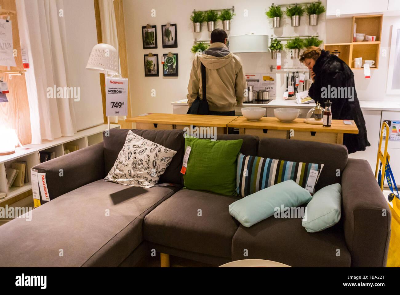 Paris France Shopping In Moderne Haushaltswaren Baumarkt Ikea