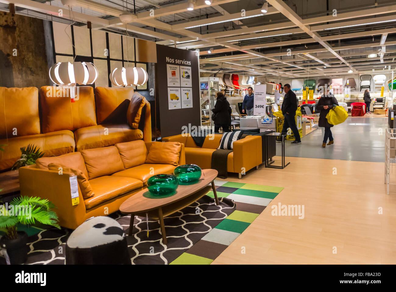 Paris, France, Shopping in moderne Haushaltswaren Baumarkt, IKEA ...