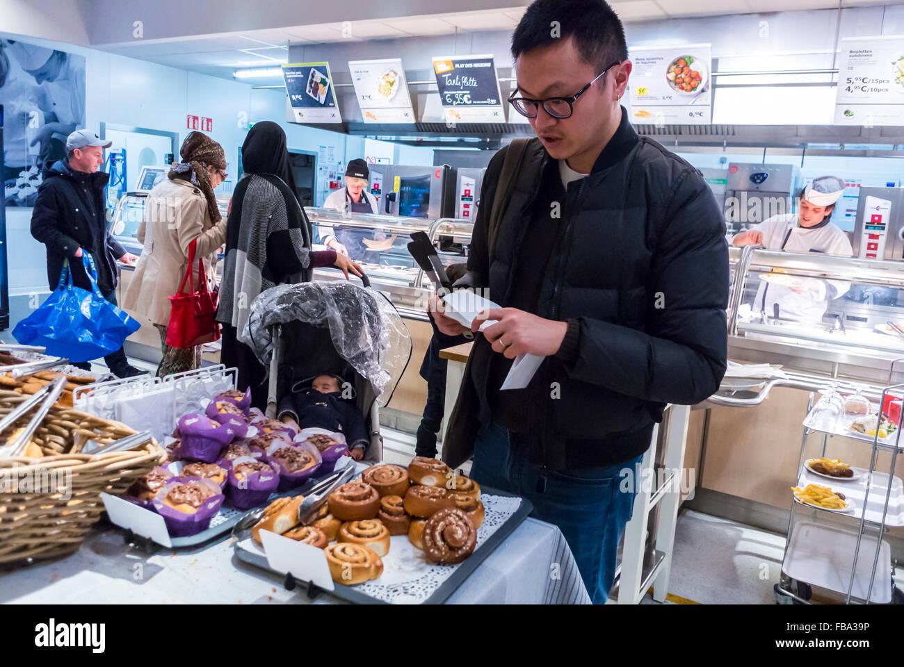 Baumarkt Dänemark frankreich chinesischer mann einkaufen einkaufen im