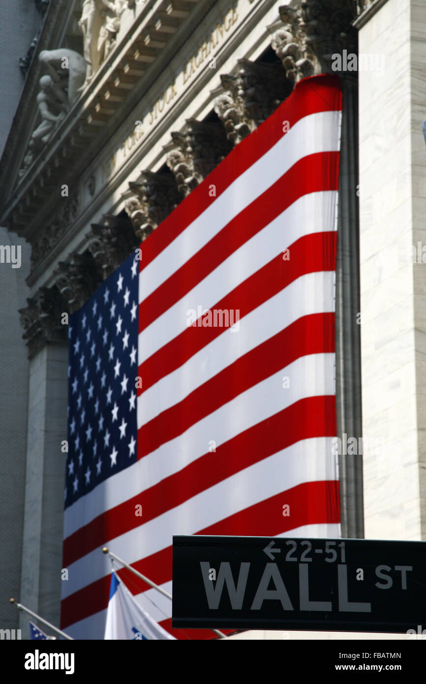 NY Börse an der Wall Street & US-Flagge, untere Manhattan NYC New York City USA Stockfoto