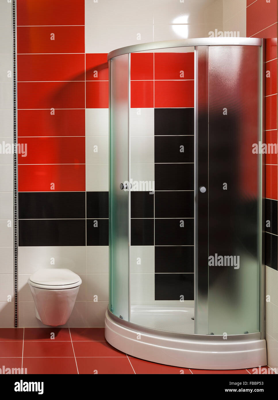 bathroom black white tiles stockfotos bathroom black white tiles bilder alamy. Black Bedroom Furniture Sets. Home Design Ideas