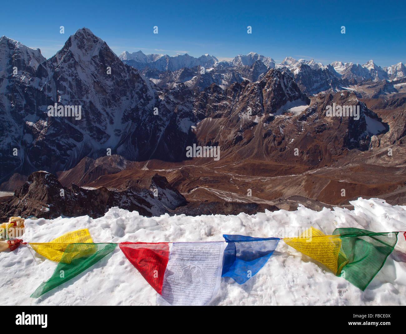 Blick vom Gipfel Grat von Lobuche East peak Stockbild