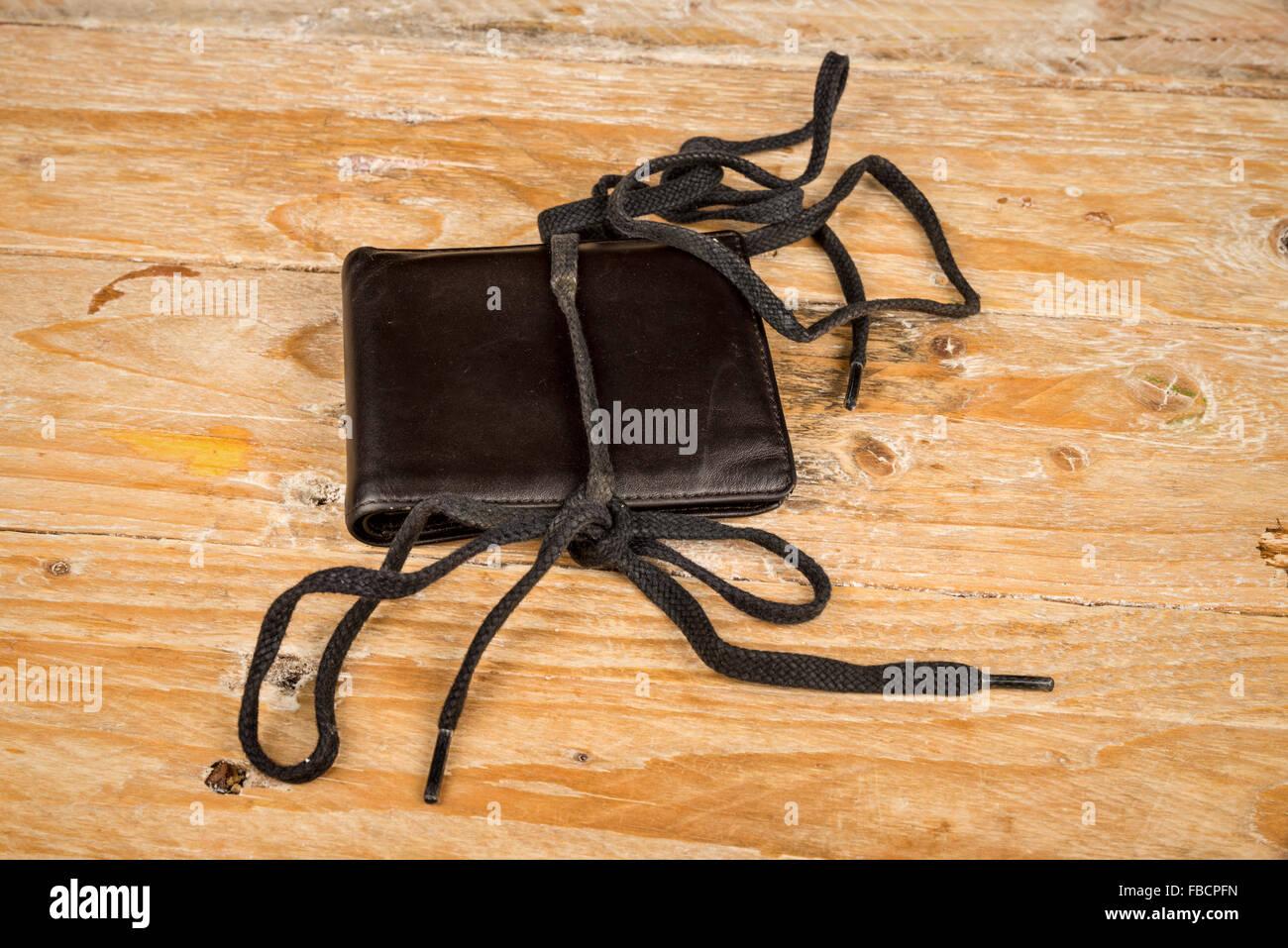 Brieftasche auf einem Shoestring, ein Finanzkonzept Stockfoto