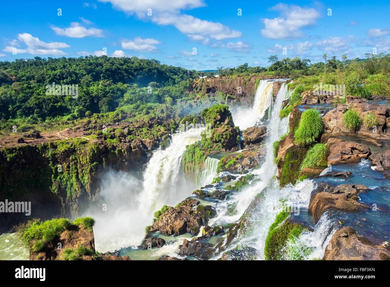 Die Iguazu Wasserfälle, an der Grenze zwischen Argentinien und Brasilien. Stockbild