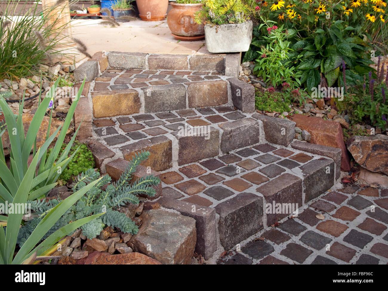 gartentreppe pflaster porphyr stockfoto bild 93149572. Black Bedroom Furniture Sets. Home Design Ideas