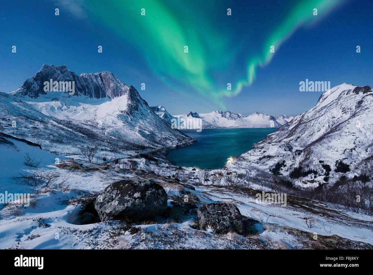 norwegen senja insel nordlicht aurora borealis aurora borealis anzeigen weite schnee. Black Bedroom Furniture Sets. Home Design Ideas