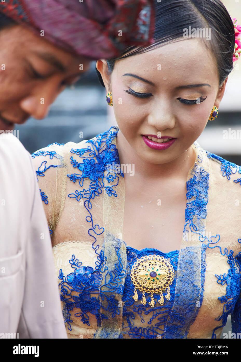 Junge Braut und Bräutigam, Native, Reportage, traditionelle Hochzeit, Bali, Indonesien, Asien Stockbild