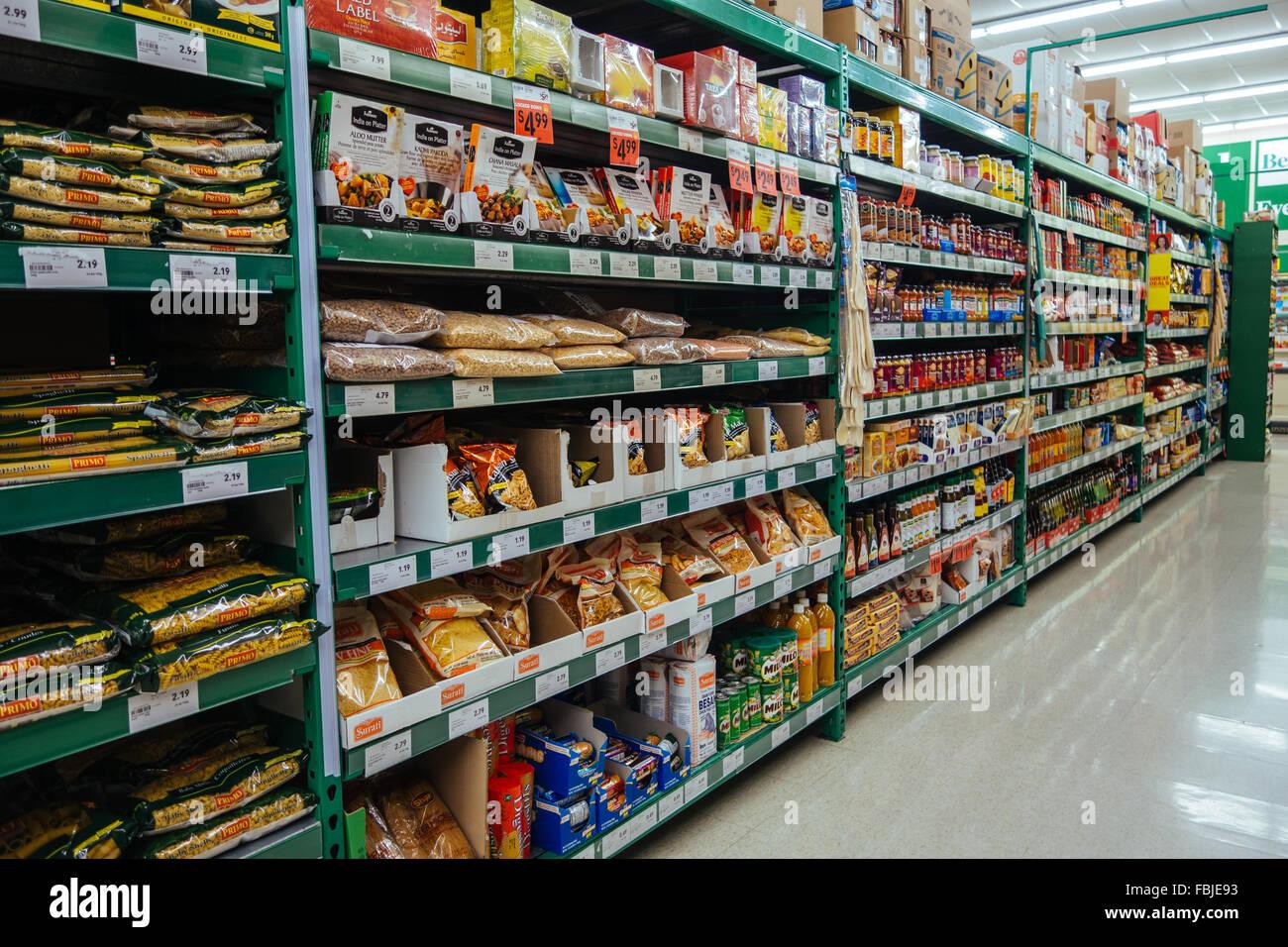 supermarkt regale gang stockfoto bild 93219423 alamy. Black Bedroom Furniture Sets. Home Design Ideas