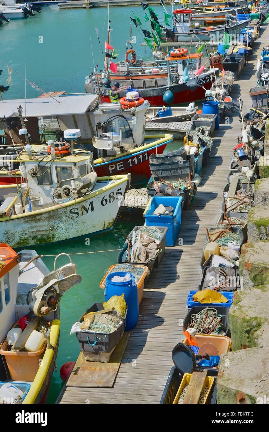 Angelboote/Fischerboote an Brighton Marina, East Sussex, England Stockbild