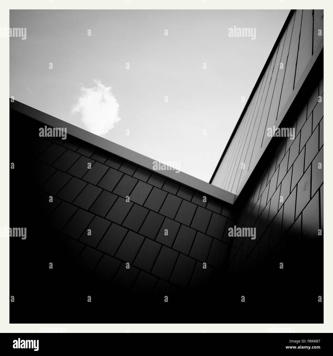Niedrigen Winkel Blick auf Bauwerke Stockbild
