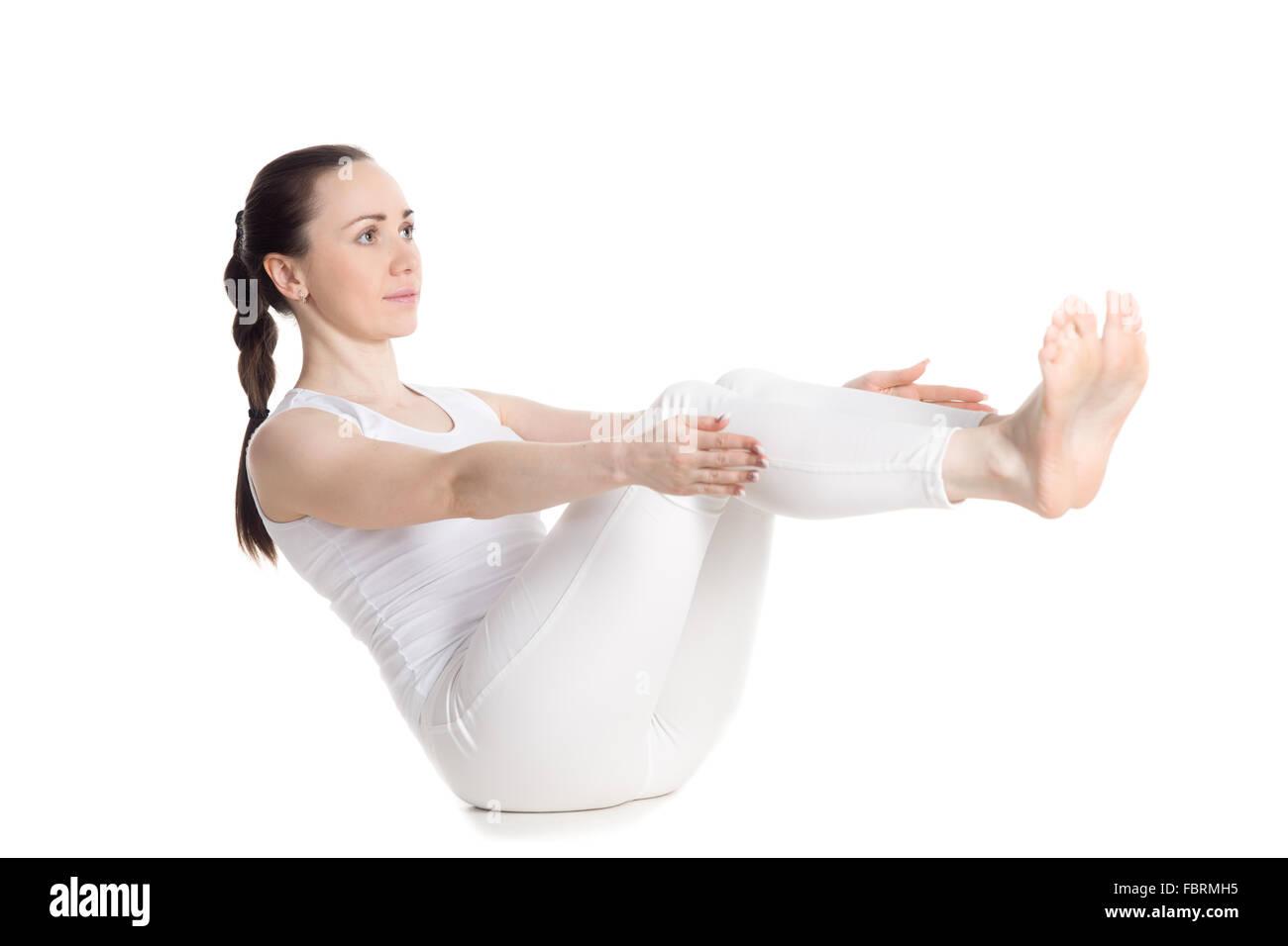 Sportlich Schöne Junge Frau In Weißen Sportbekleidung übungen Für