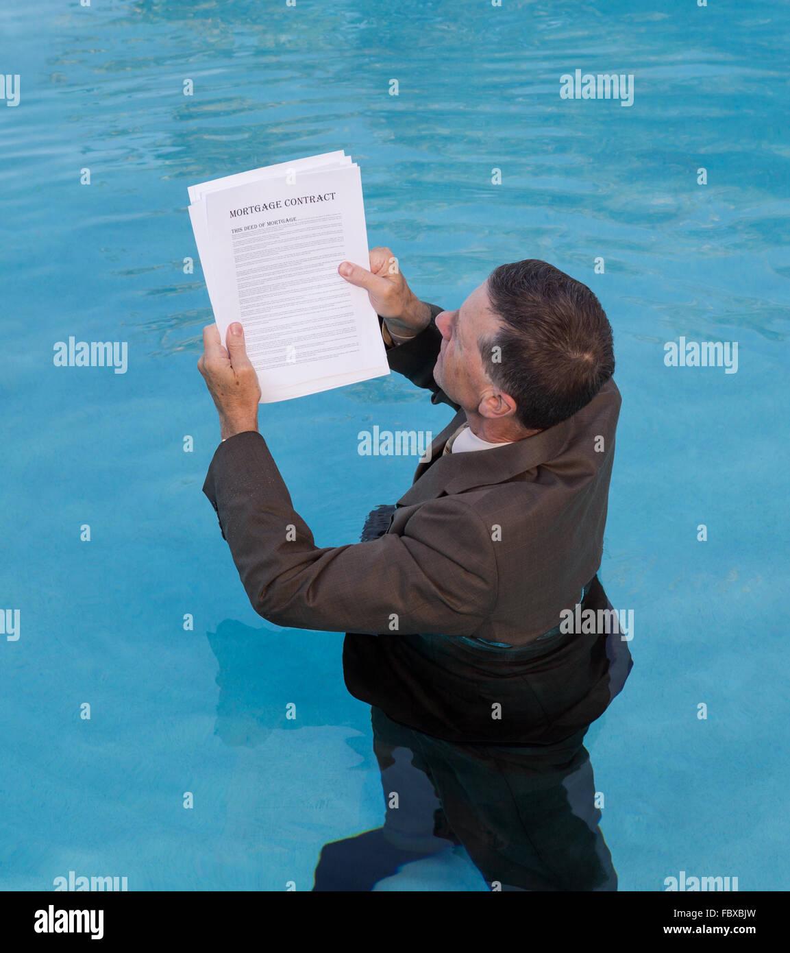Drowning Paperwork Stockfotos & Drowning Paperwork Bilder - Alamy