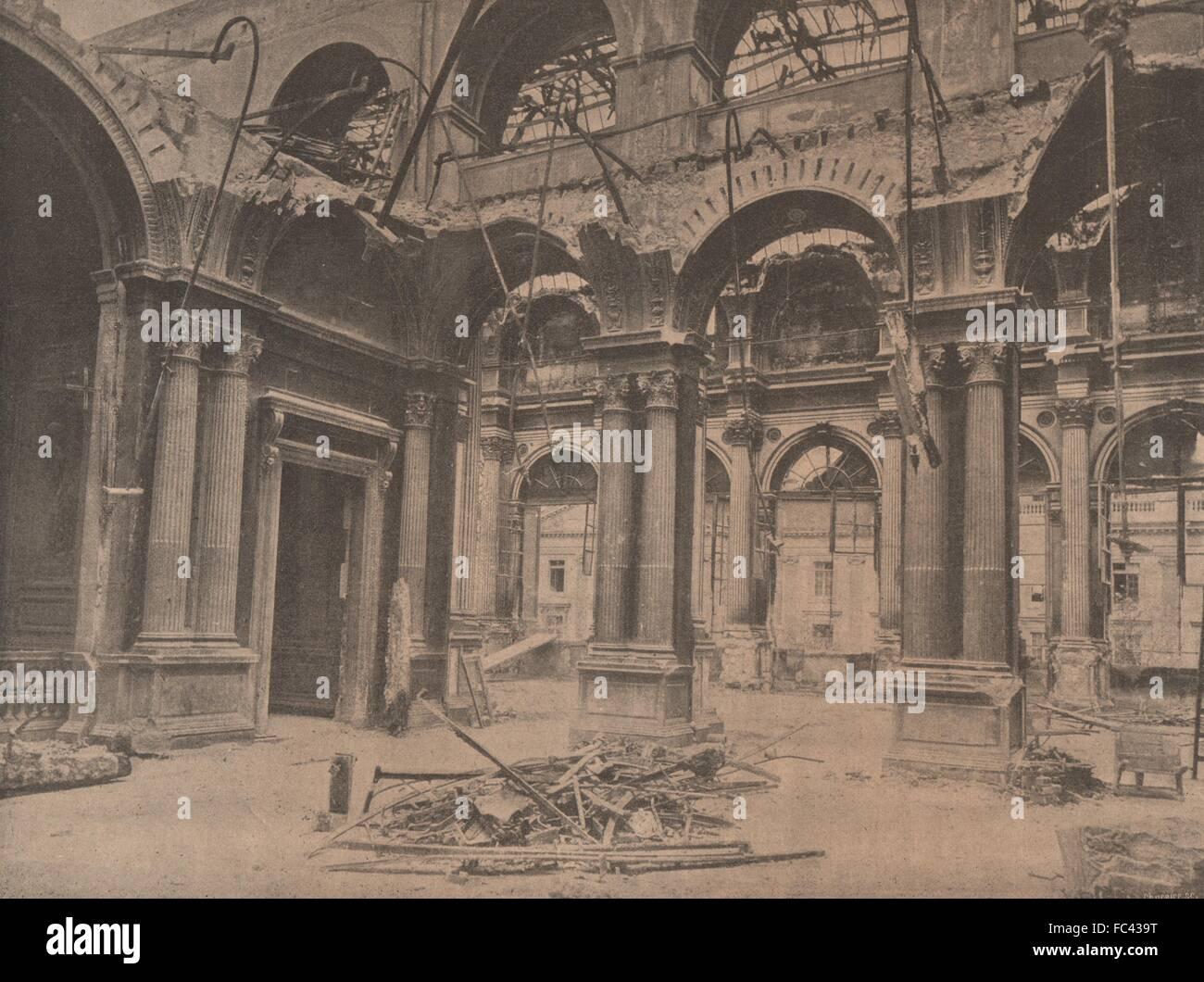 PARIS KOMMUNE 1871. Hotel de Ville (Intérieur des Salons.), alte print c1873 Stockbild