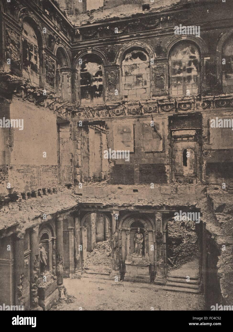 PARIS KOMMUNE 1871. Les Tuileries (Intérieur), antique print c1873 Stockbild