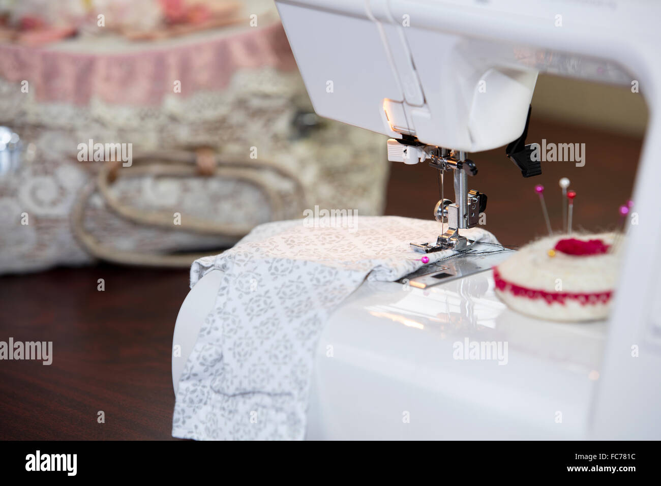 Pins And Needles Body Stockfotos & Pins And Needles Body Bilder - Alamy