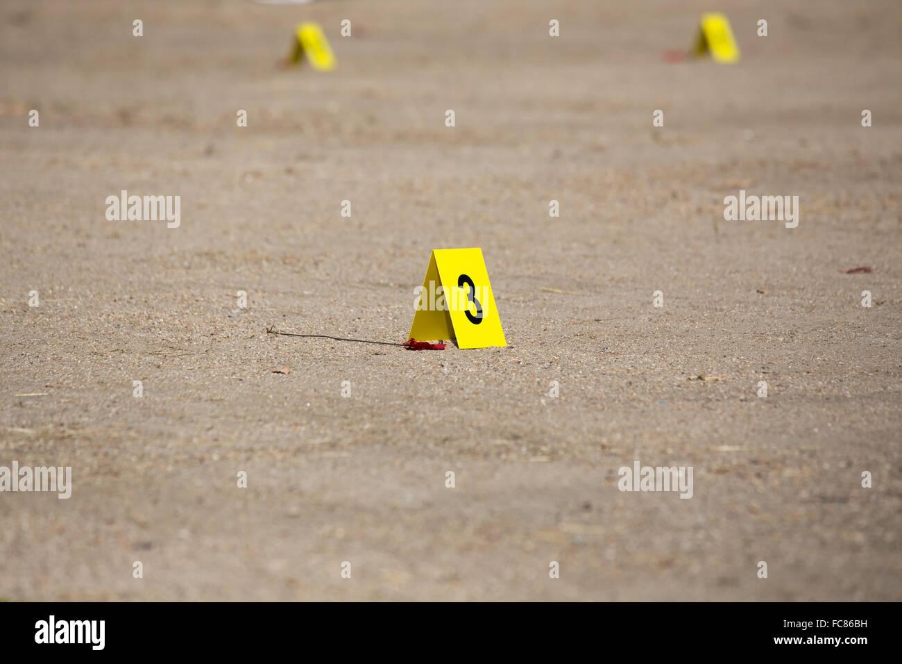gelbe Beweis Nummer Tag Autobombe Tatort Stockbild