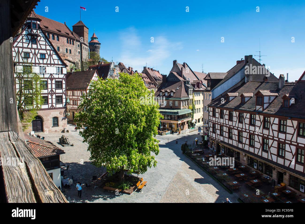 Blick über den Albrecht Duerer Platz und der kaiserlichen Burg Nürnberg, Bayern, Deutschland, Europa Stockbild